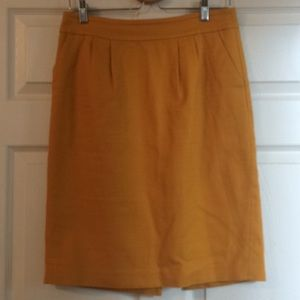 Banana Republic Skirt with pockets